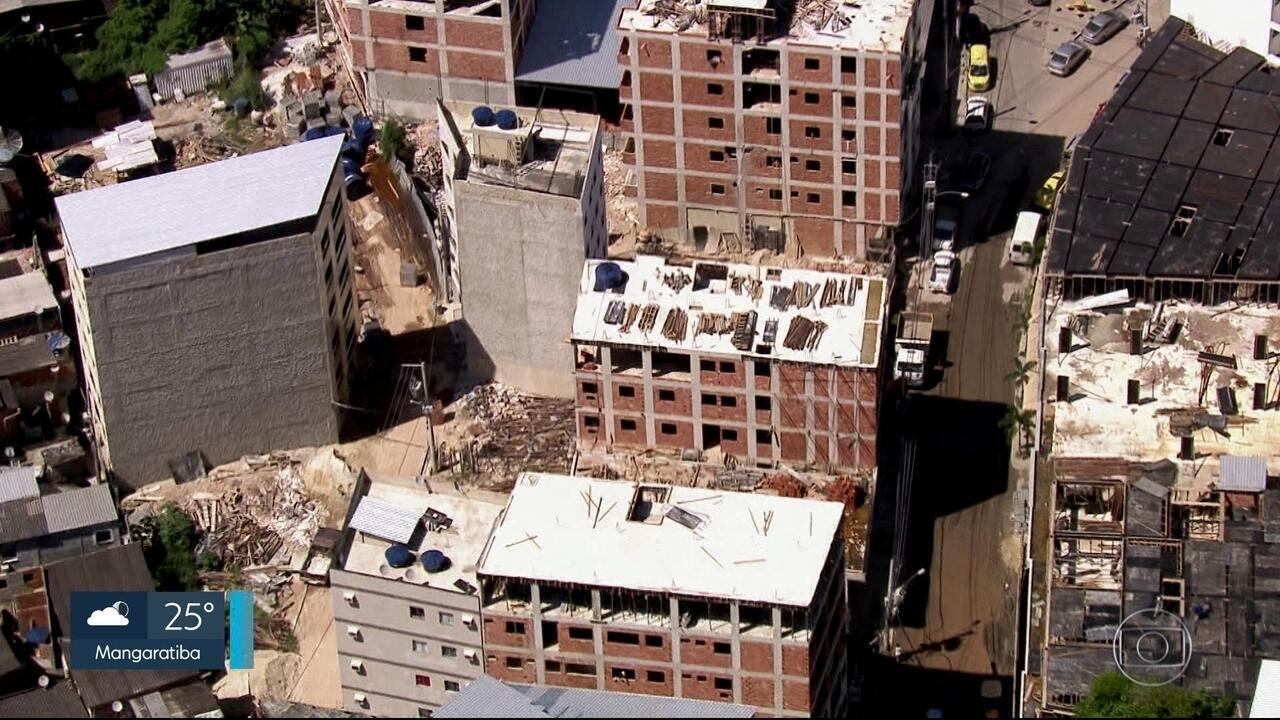 Milícia continua construindo prédios ilegais pela Zona Oeste do Rio