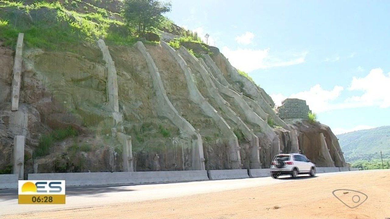 Depois de quase 10 meses, terminam as obras de contenção onde pedras rolaram, no ES