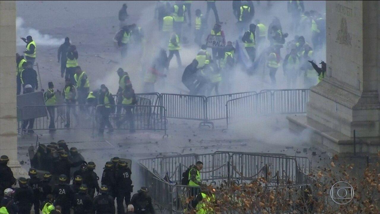 Novos protestos contra o governo da França deixam 110 feridos