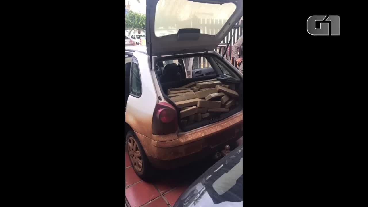 PM prende três suspeitos e apreende mais de 300 kg de maconha dentro de carro, em Jataí