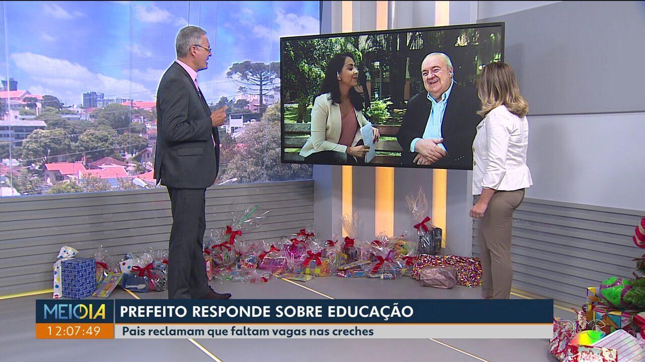 Prefeito de Curitiba responde perguntas de telespectadores