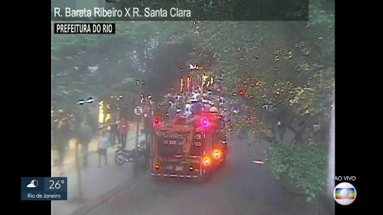 Carro invadiu loja em Copacabana, na Zona Sul