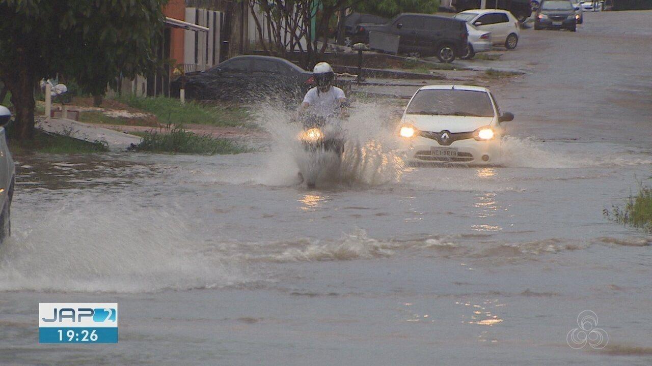 Chuva intensa na terça-feira, 4, provocou alagamentos em vários pontos de Macapá