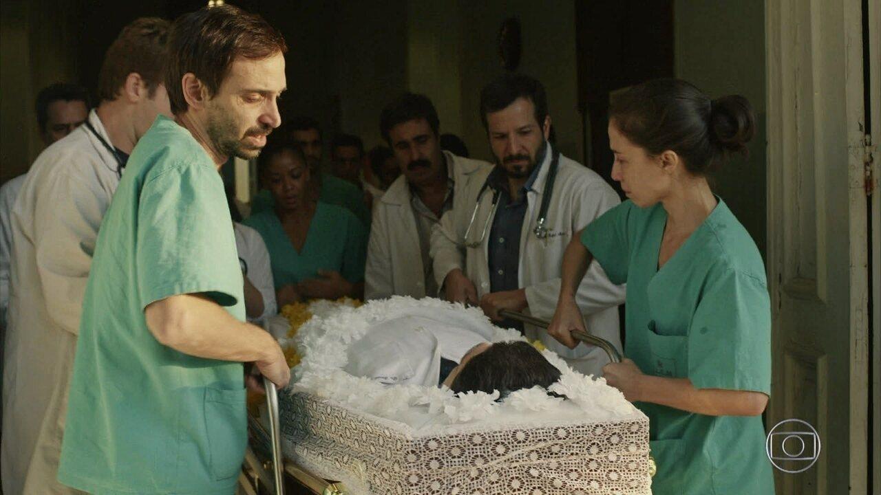 Funcionários do hospital prestam homenagem a Samuel