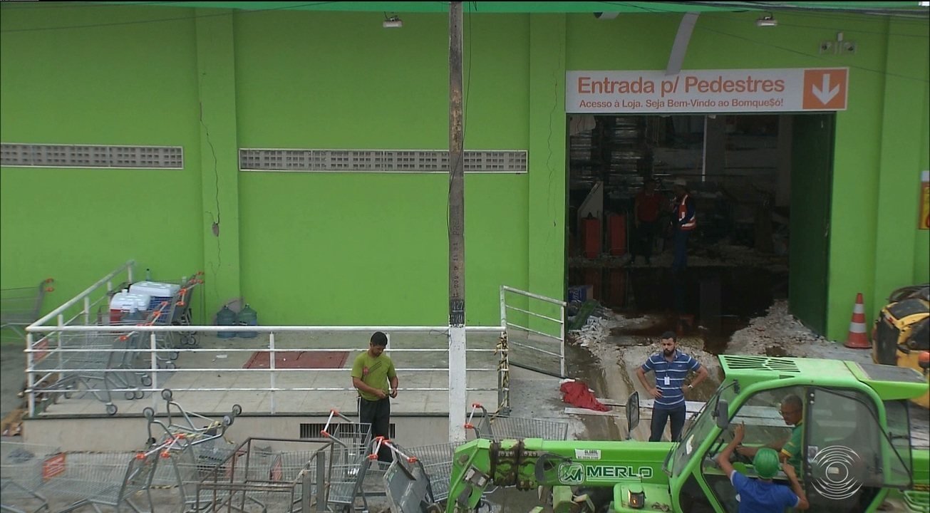 Incêndio em supermercado provoca prejuízo milionário e deixa dezenas de desempregados