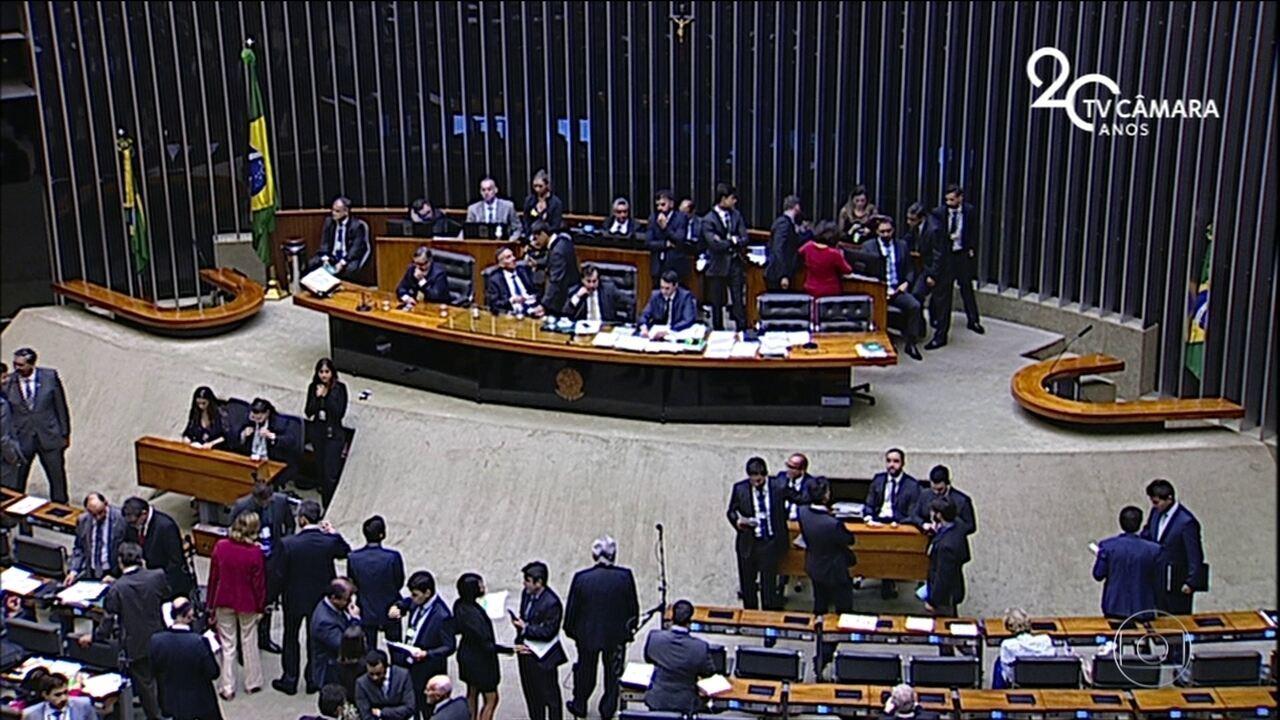 Câmara livra de punições prefeitos que estouram limite de gastos com pessoal