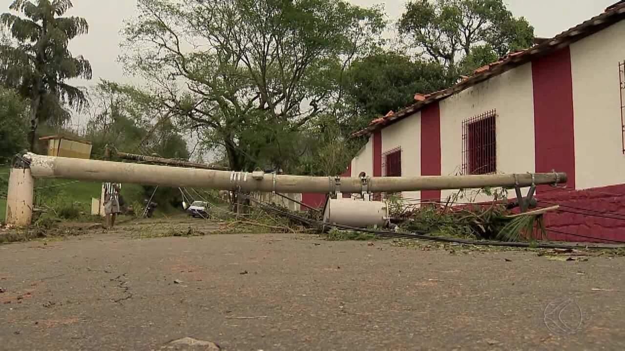 Moradores relatam momentos de pânico durante tromba d'água em Simão Pereira