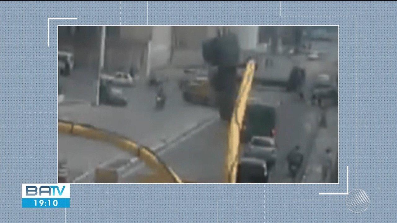 Caminhão sem freio atinge sete veículos em Feira de Santana
