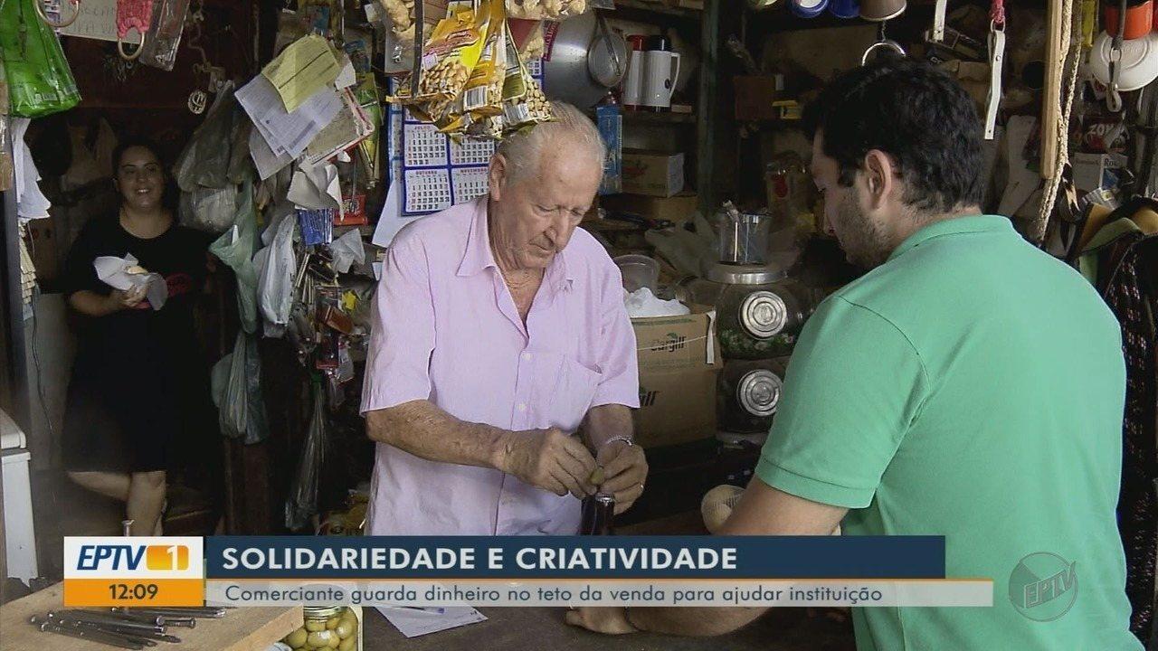 Comerciante guarda dinheiro no teto de comércio para ajudar instituição