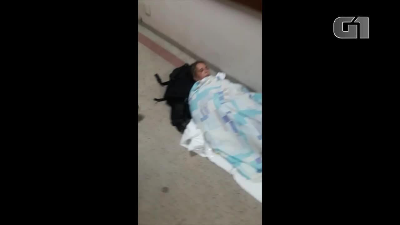 Sem maca, mulher com deficiência é medicada no chão do Hospital Geral de Palmas