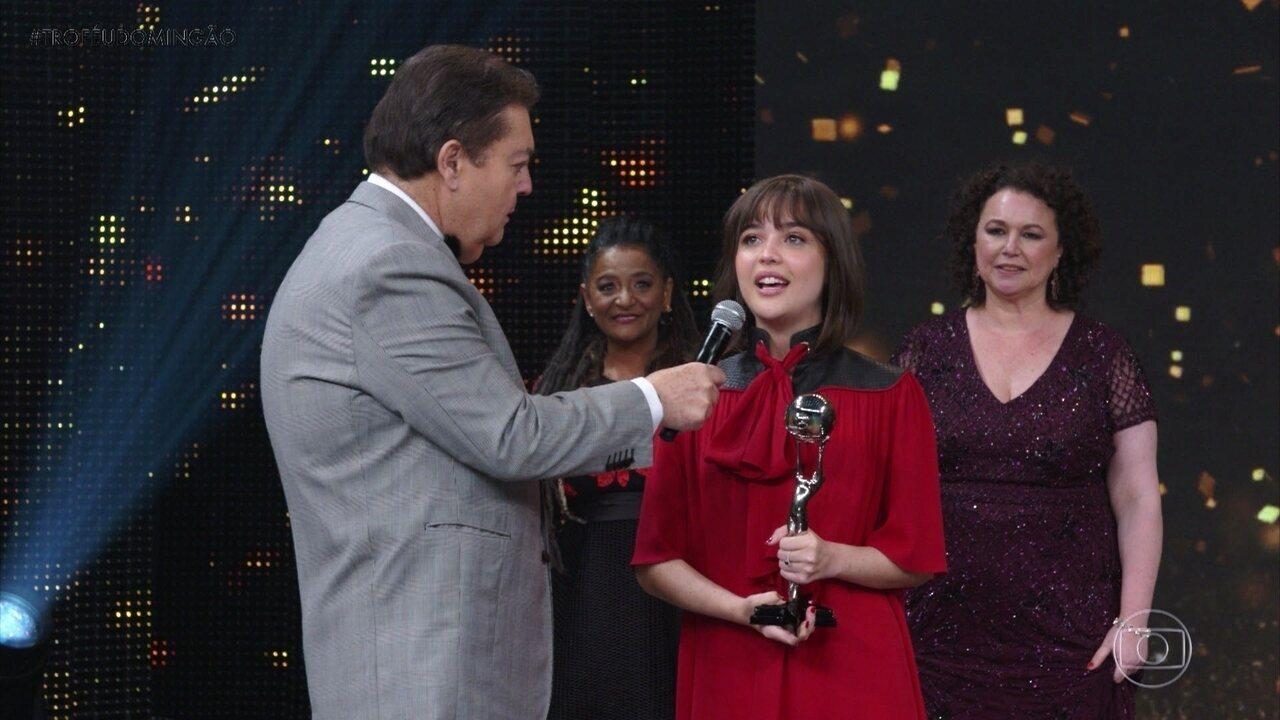 Bella Piero vence a categoria 'Atriz Revelação'