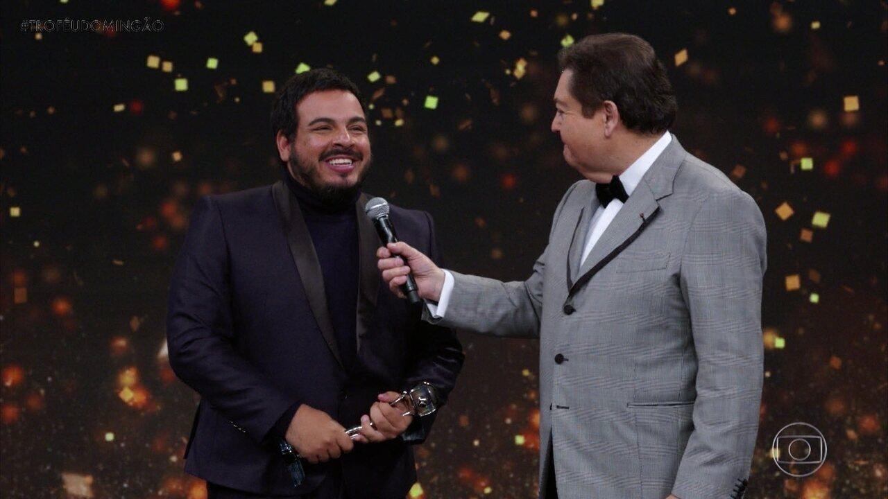 Luis Lobianco vence na categoria 'Ator Revelação'