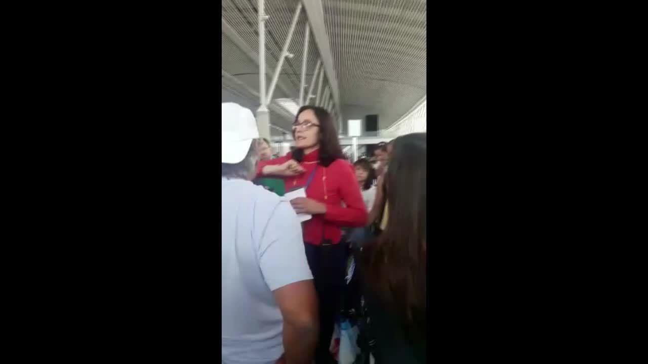 Engenheira tem voo cancelado ao sair do AC de férias e grava tumulto em Brasília
