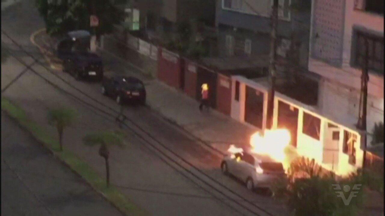 Homem ateia fogo em morador de rua após acusá-lo de roubo em Santos