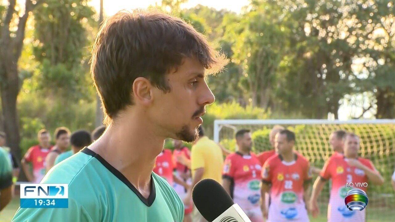 Edu Dracena e Rodrigo Caio passam férias no Oeste Paulista