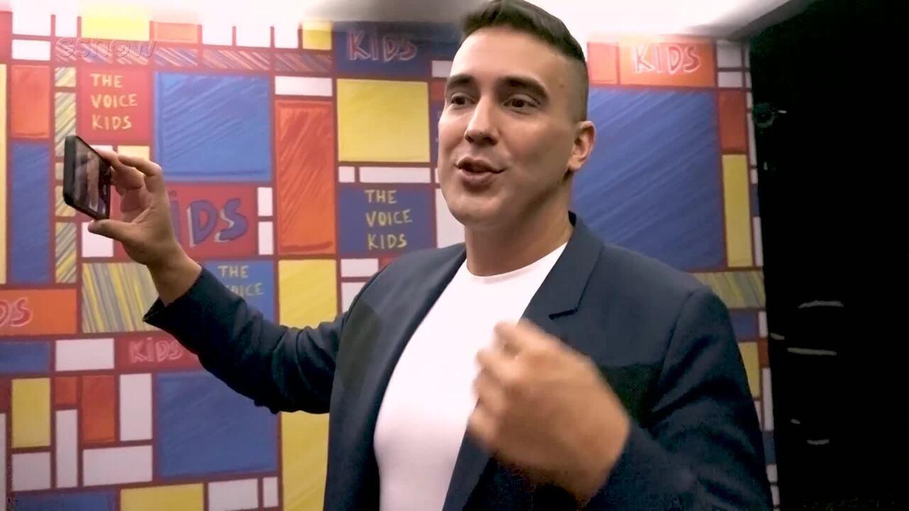 André Marques apresenta o set família do 'The Voice Kids'