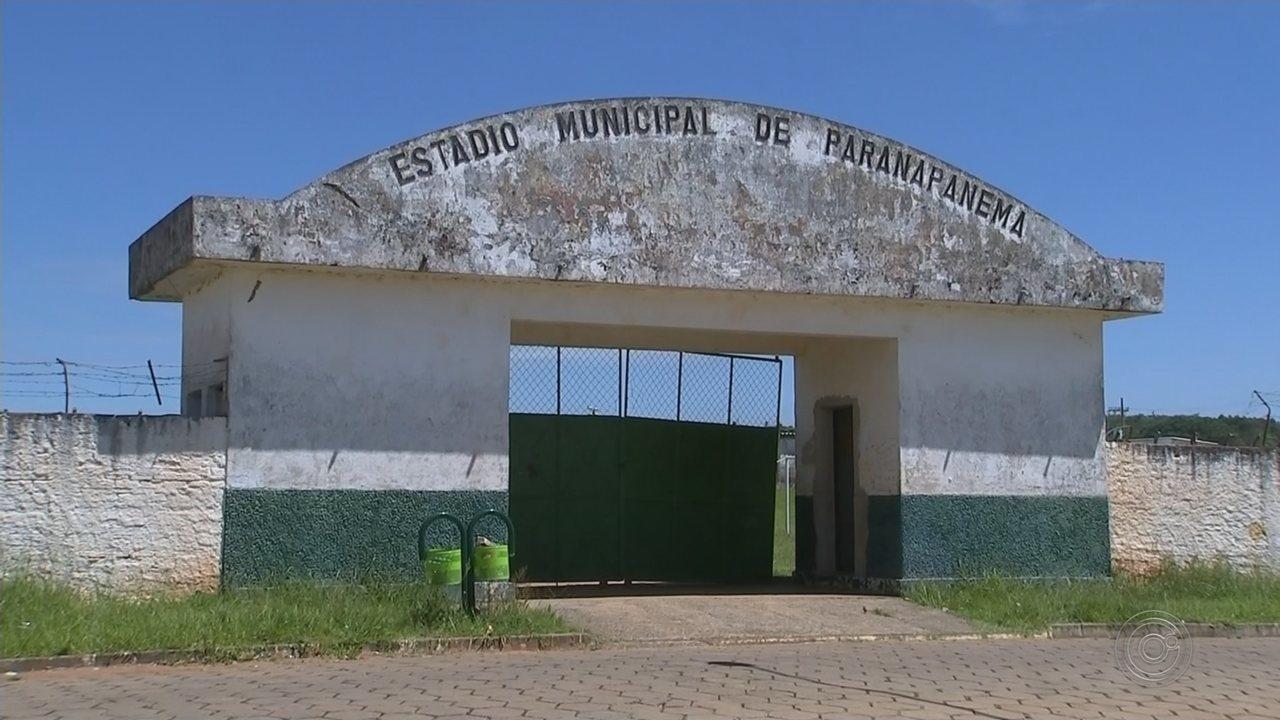 Moradores de Paranapanema reclamam de obras abandonadas