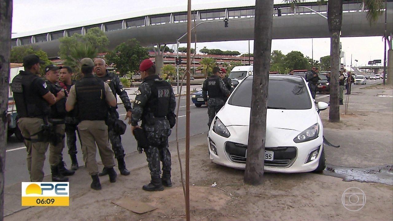 Perseguição policial com tiroteio resulta em cinco presos e causa ... 72a1041c09d0c