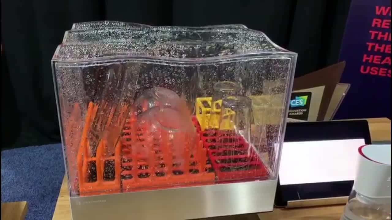 Lava-louças dispensa encanamento e promete pratos limpos em 15 minutos