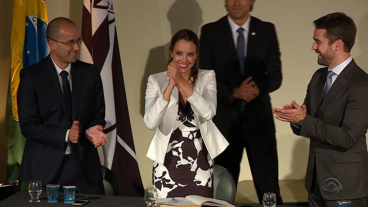 Delegada Nadine Anflor toma posse como chefe de Polícia do RS