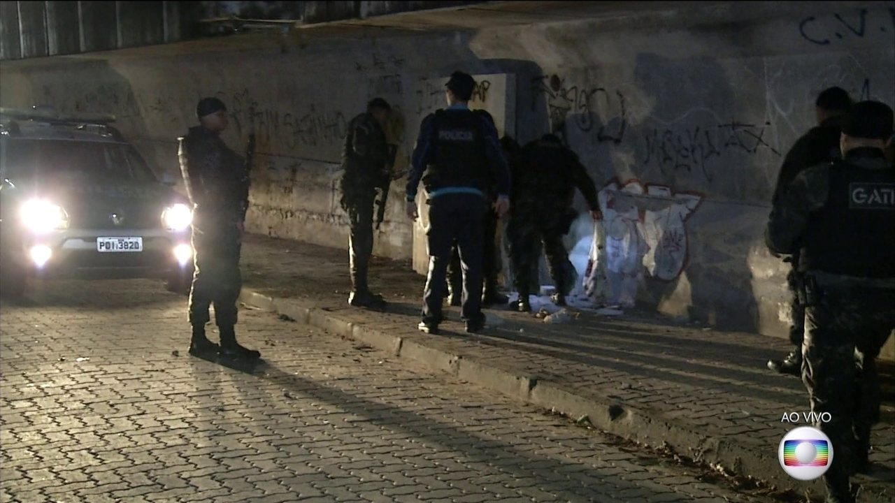 Bandidos detonam explosivos em viaduto de Fortaleza
