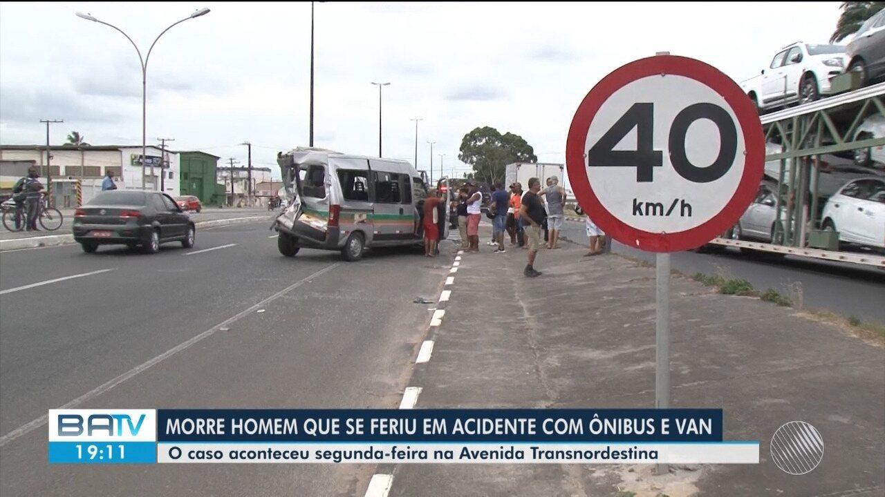 Morre homem que se feriu durante acidente com ônibus e van na Avenida Transnordestina