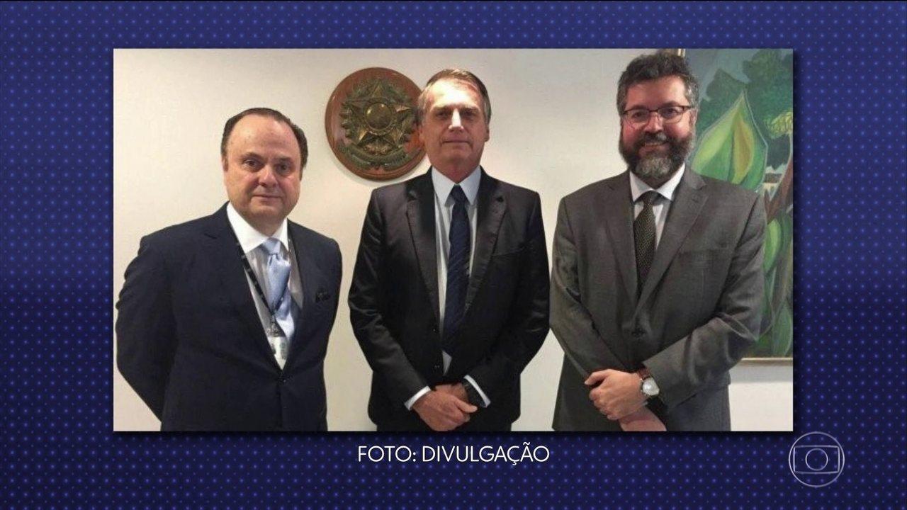 Decreto assinado por Jair Bolsonaro permite nomear assessores que não são diplomatas