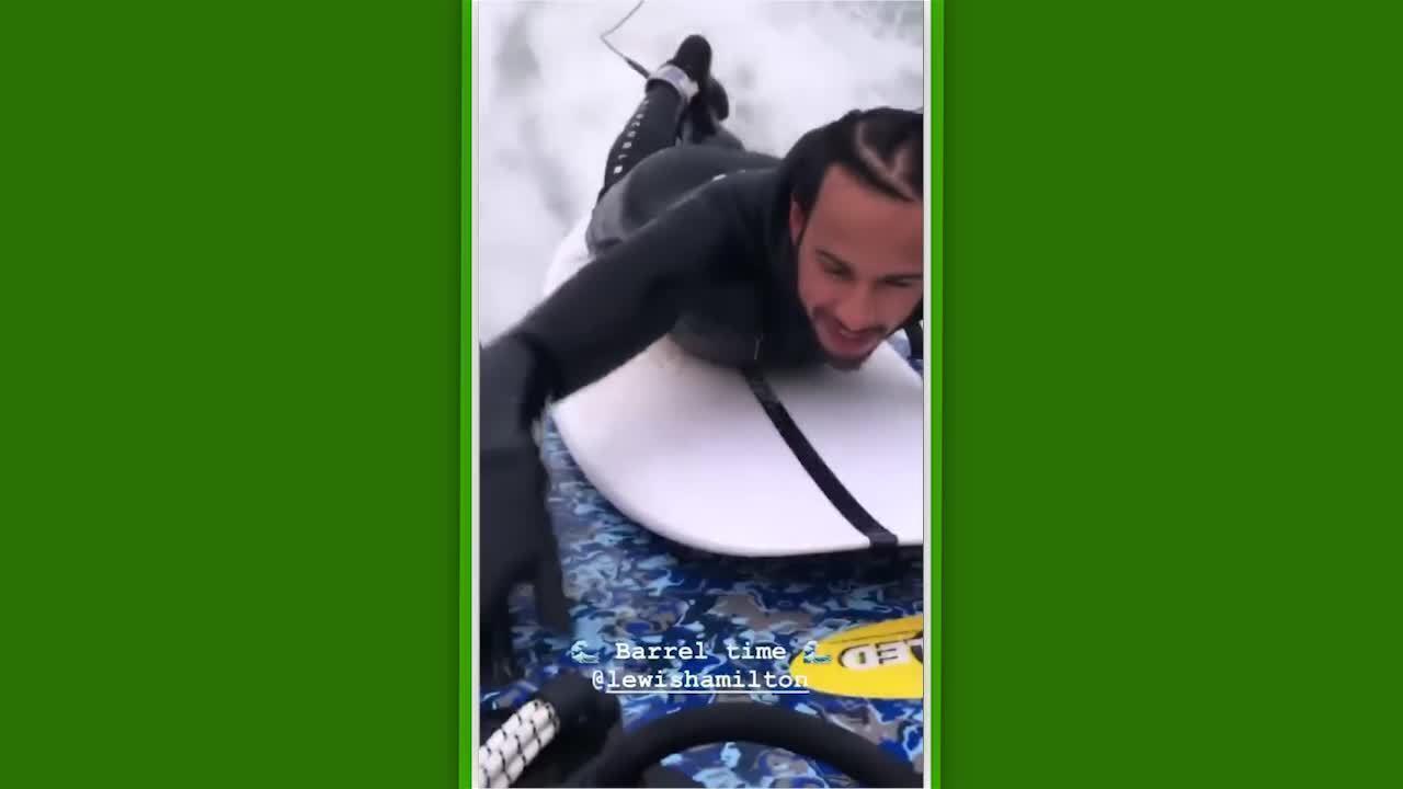 Lewis Hamilton se aventura em piscina de ondas de Kelly Slater