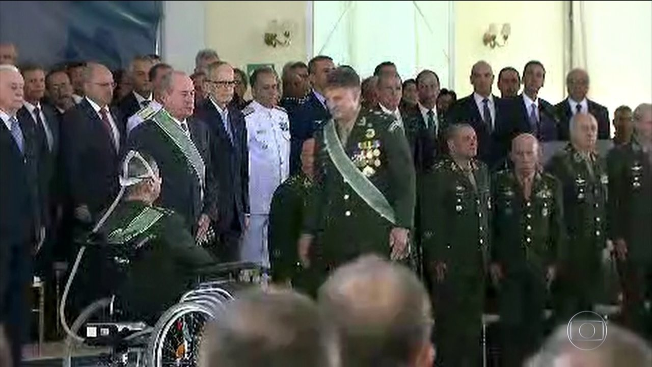 General Edson Leal Pujol assume o comando do Exército