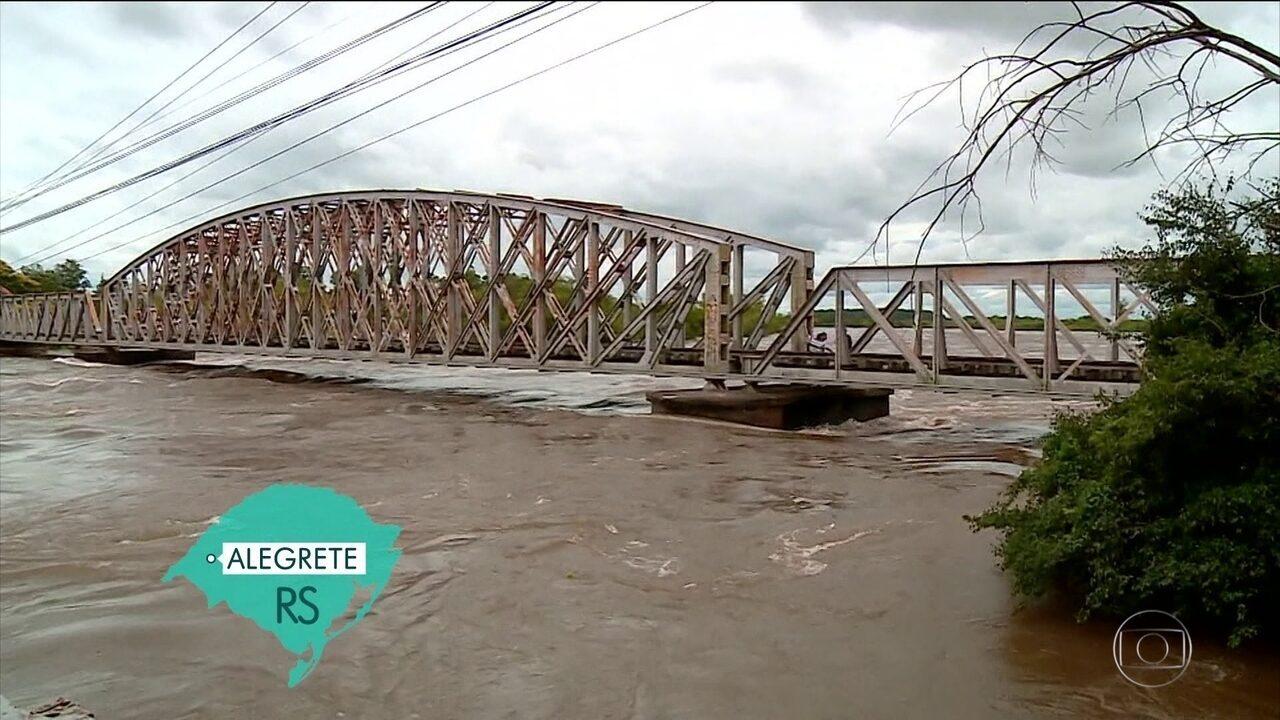 Chuvas no oeste do RS deixam mais de três mil pessoas desalojadas e desabrigadas