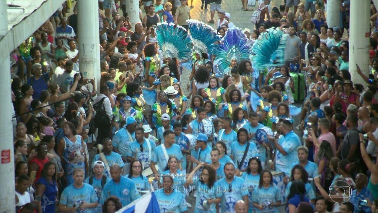 Beija-Flor comemora na Avenida 70 anos de história