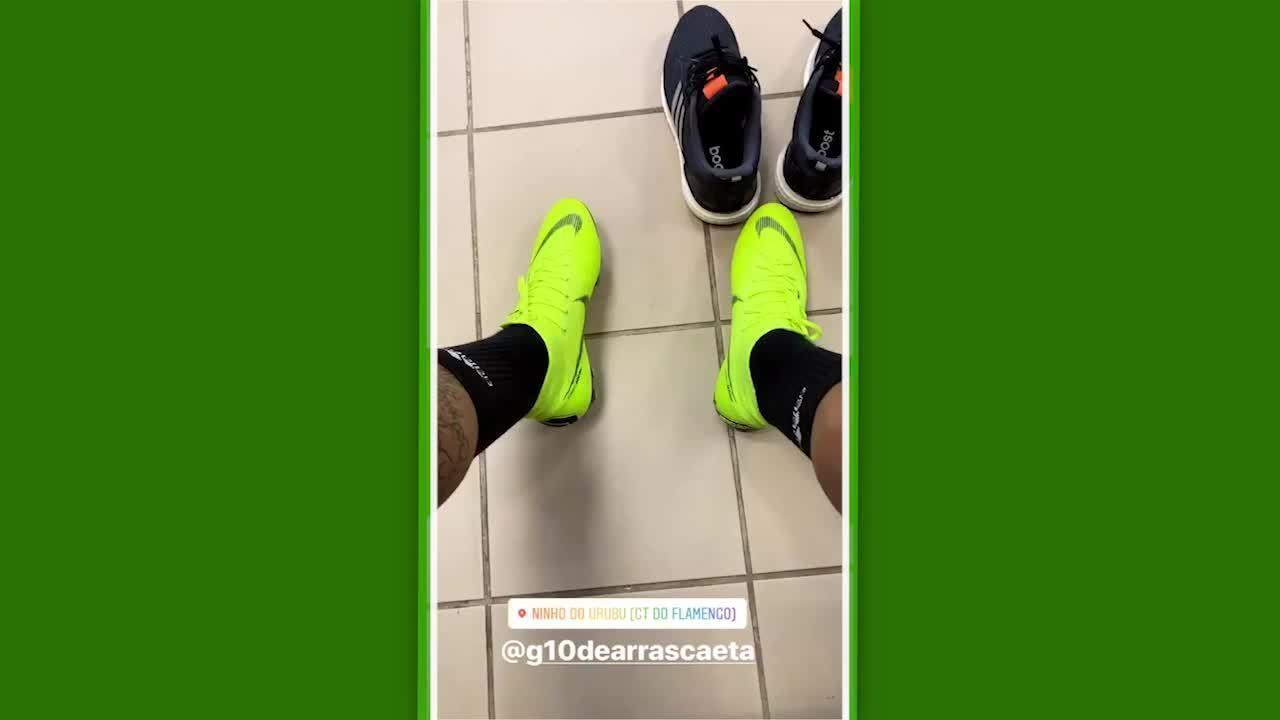 Gabigol registra treino do Flamengo com Arrascaeta