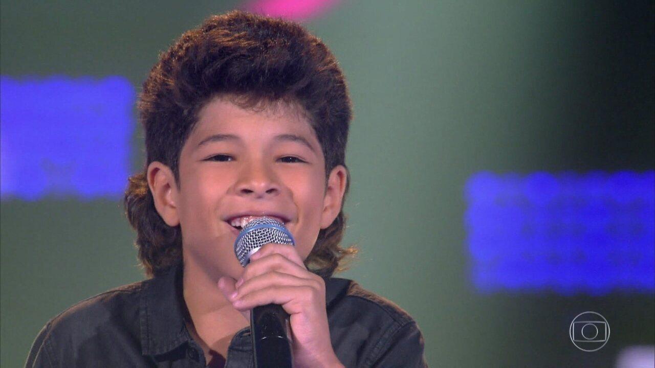 Alex Novais canta 'O Portão'