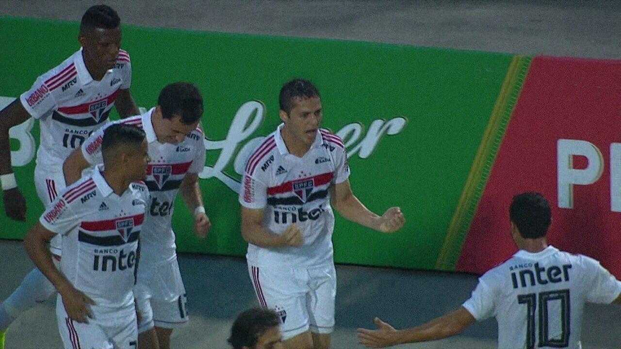Lembre gol de Anderson Martins pelo São Paulo