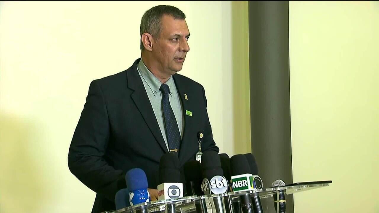 Porta-voz do governo fala sobre cirurgia de Bolsonaro