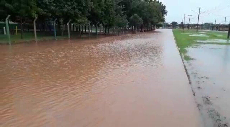 Vídeo mostra inundação em Campo Novo do Parecis