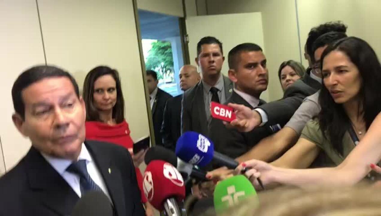 Mourão diz a embaixador palestino que Brasil não pensa em mudar embaixada em Israel