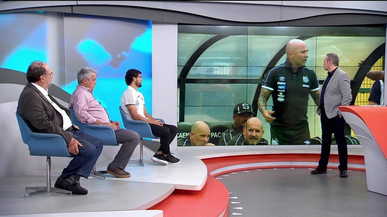 Lateral do Santos, Victor Ferraz comenta esquema de Sampaoli à frente do clube