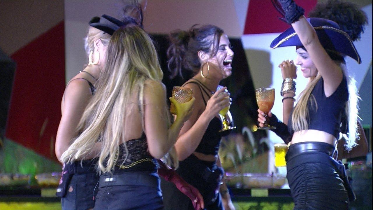 Sisters cantam 'Diamonds' de Rihanna