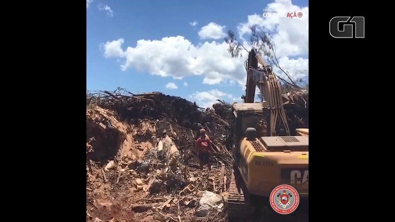 Veja a atuação de uma equipe de bombeiros do ES em Brumadinhos