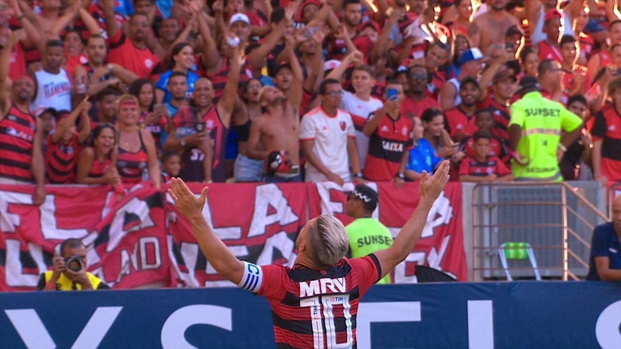 Gol do Flamengo! Arão cruza e Diego marca golaço, aos 12 do 2º tempo