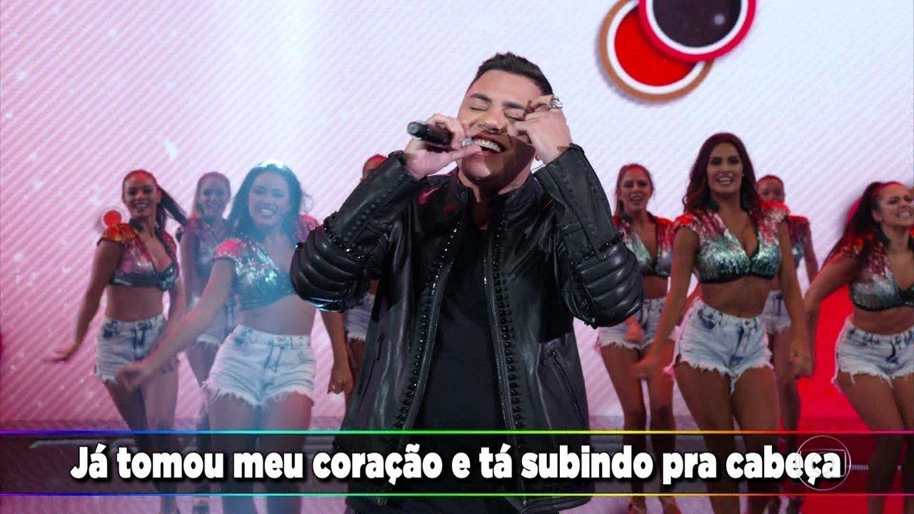 Felipe Araújo coloca todos para cantar a nova música 'Espaçosa Demais'