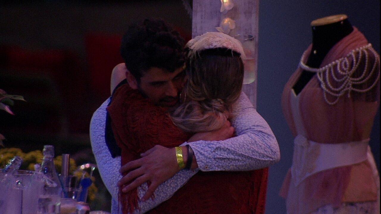 Maycon confessa para Isabella: 'Errei com você'