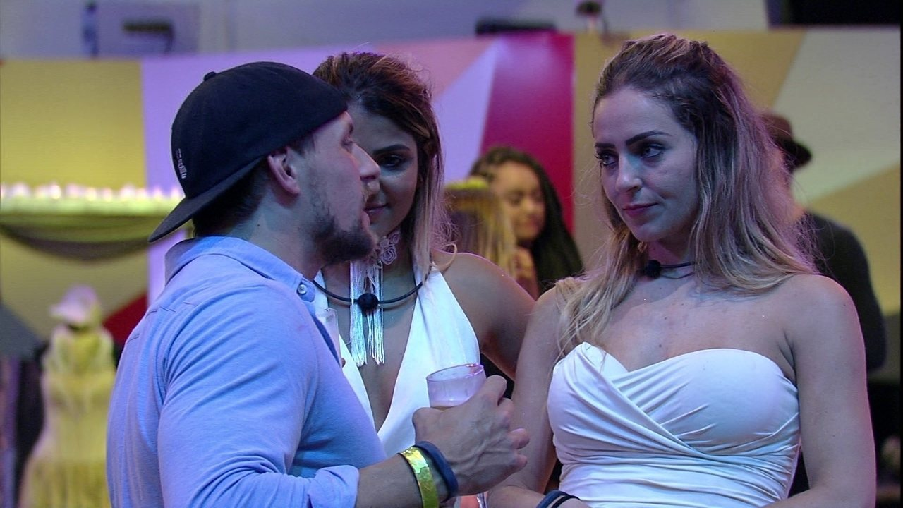 Diego para Paula e Hariany: 'Sinto uma verdade muita grande em vocês'