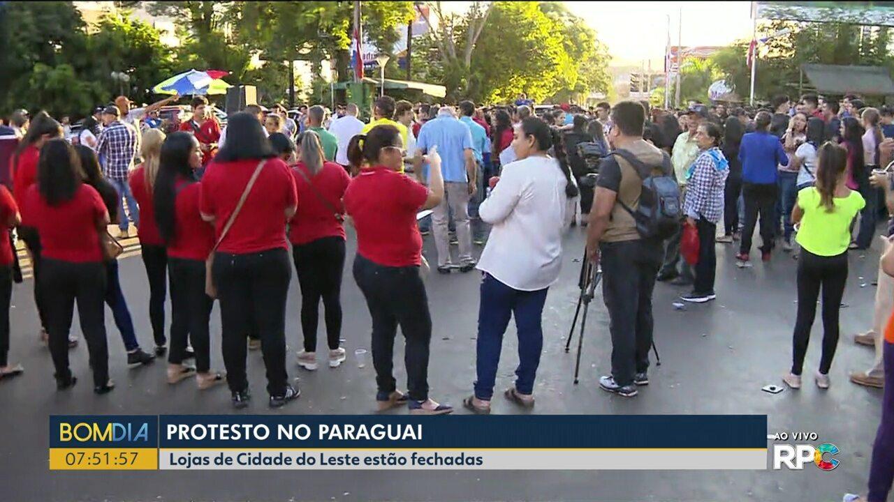 Lojas de Cidade do Leste, no Paraguai, amanhecem fechadas