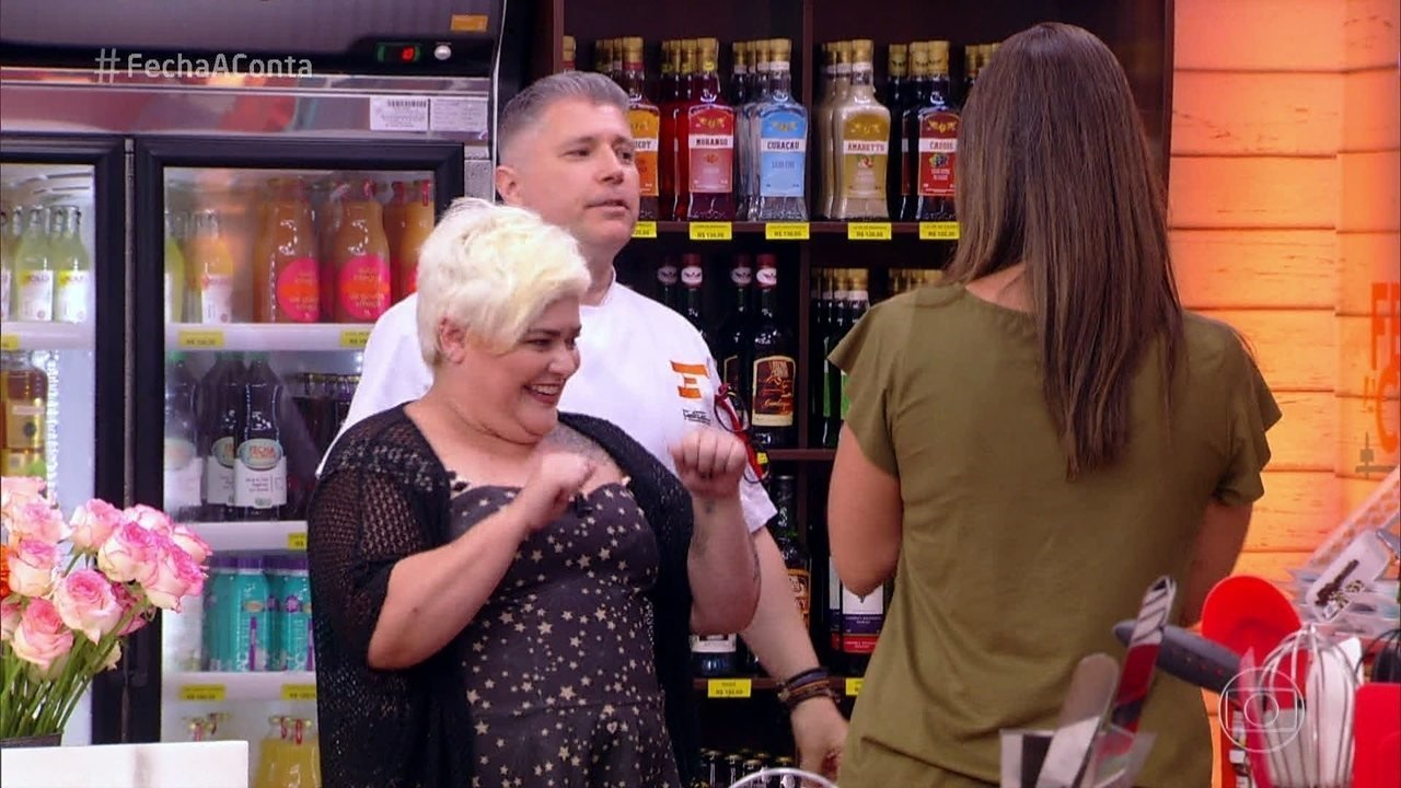 Jurados visitam o mercado do 'Fecha a Conta Bolo'