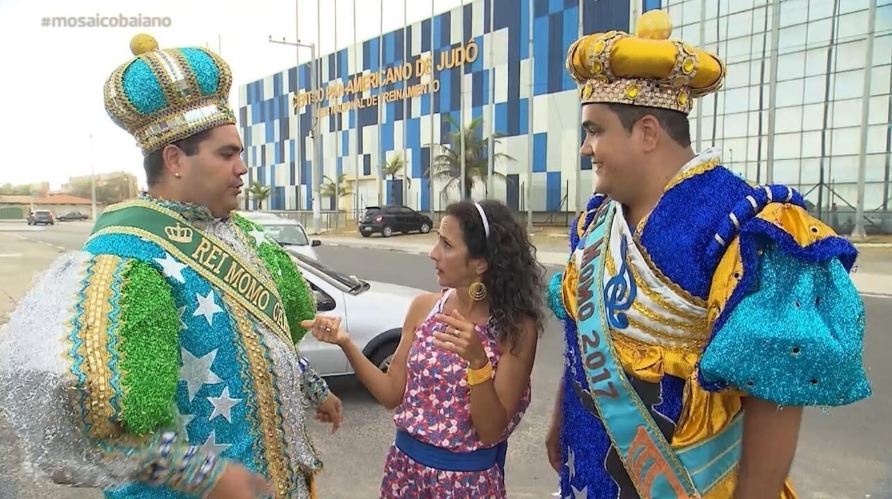 Maria conhece as figuras pitorescas da Praia de Ipitanga, em Lauro de Freitas