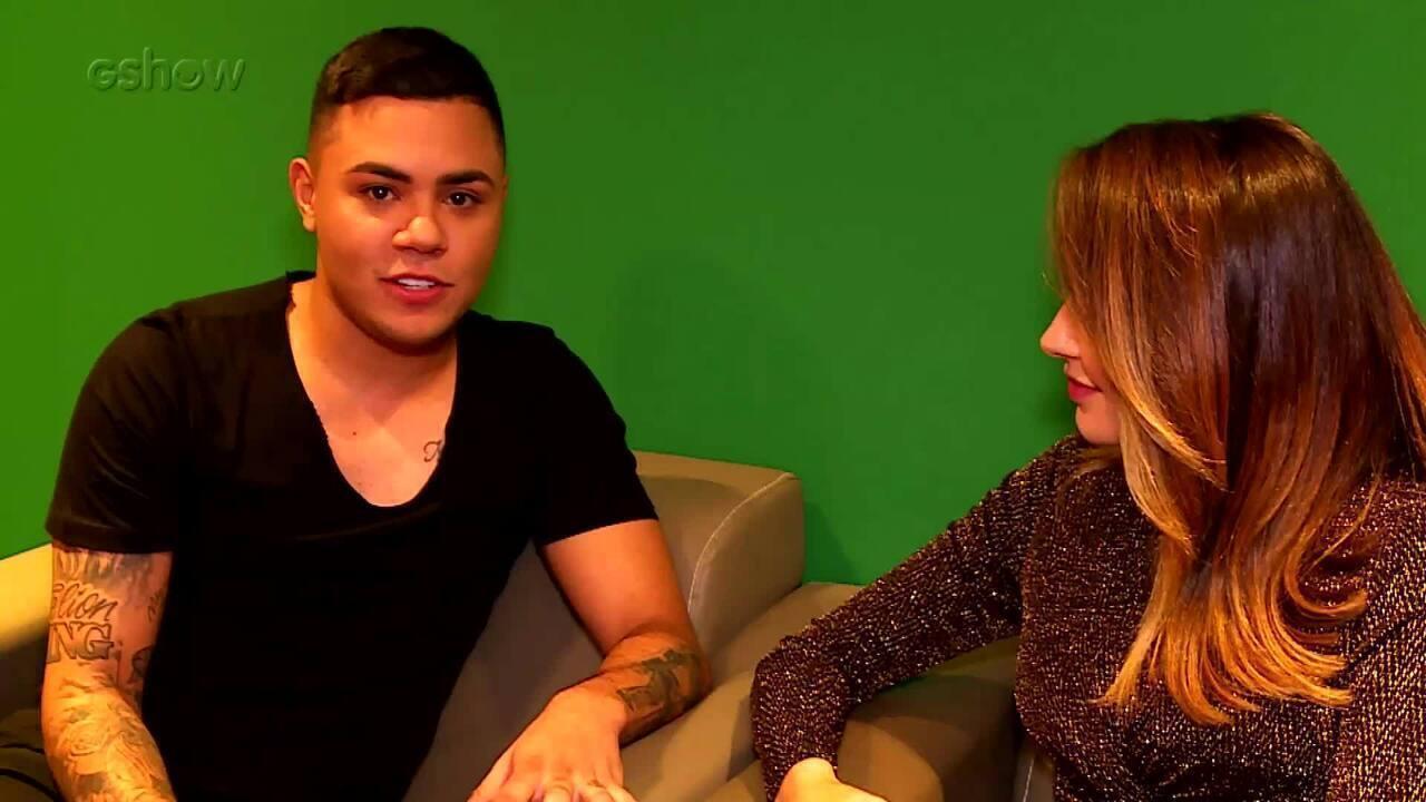 Felipe Araújo fala sobre o sucesso da música 'Atrasadinha' nos bastidores do 'Domingão'