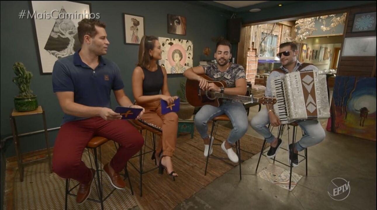 Guilherme e Benuto são os convidados do musical do Mais Caminhos