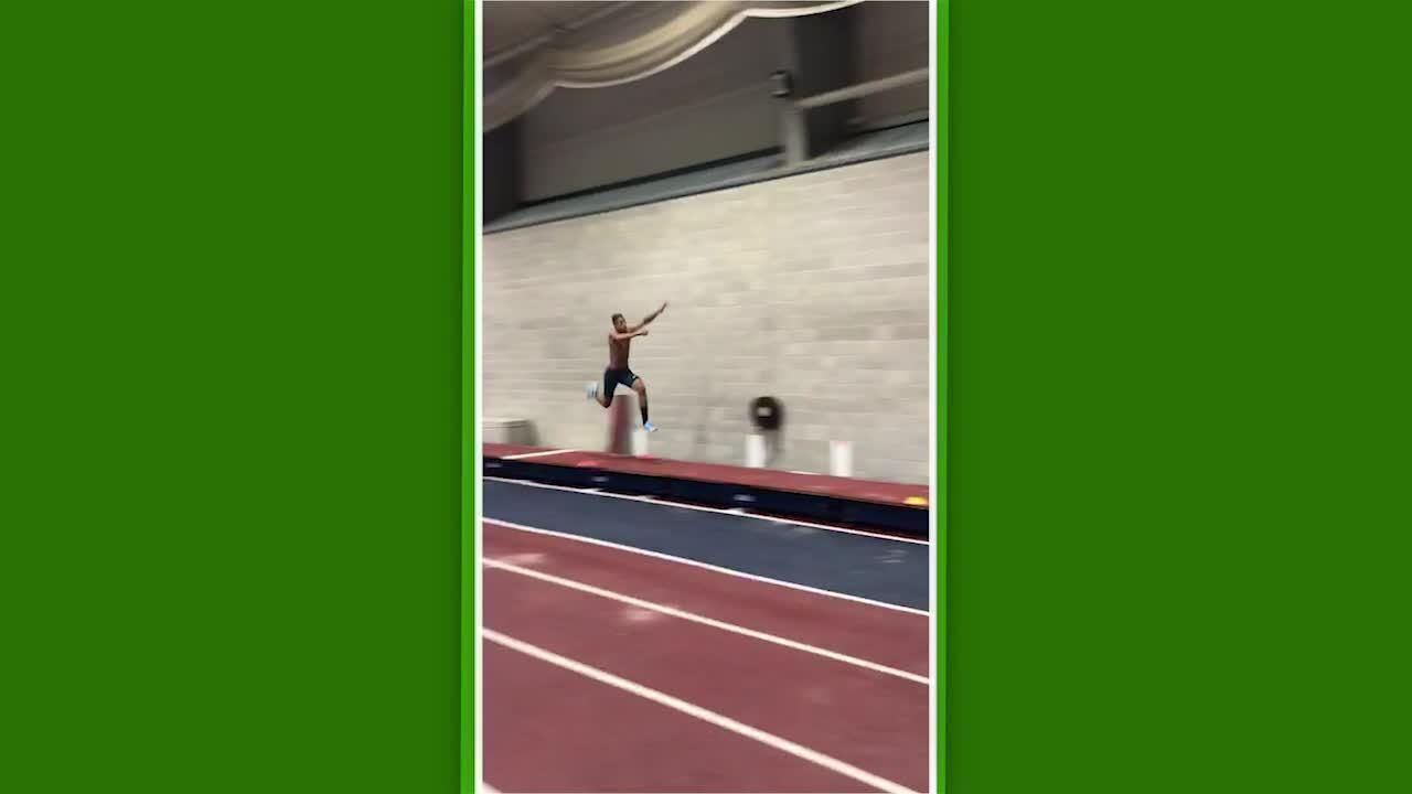 Almir Junior no treino de salto triplo